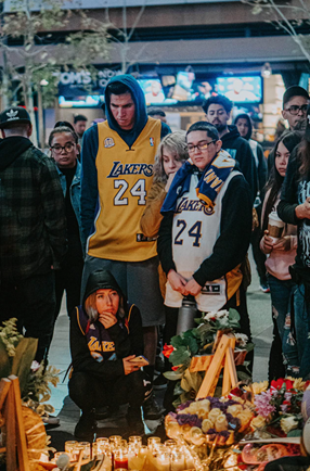 Lakers legend Kobe Bryant passed away earlier this year. Lakers fans are supporting his memory of the great man he was by wearing his jersey and also making tributes. Photo courtesy of unsplash.com