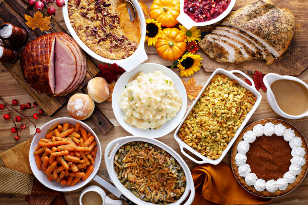 A+variety+of+delicious+and+common+foods+that+are+eaten+on+Thanksgiving.+Courtesy+of+iStock.+
