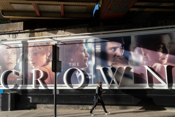 A+panoramic+billboard+advertising+the+latest+series+of+Netflix%27s+%27The+Crown%27+which+is+now+airing+on+demand%2C+shows+the+main+characters+of+the+British+royal+family+-+and+featuring+the+relationship+and+romance+between+Prince+Charles+and+Diana%2C+Princess+of+Wales+%28Photo+by+Richard+Baker+%2F+In+Pictures+via+Getty+Images%29